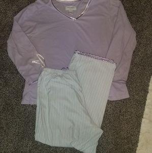 Villager lavender white pajama pantset L
